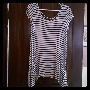 Maurices Flowy top with pockets
